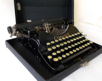 Antique Smith Corona Typewriter, German Keys 1920's