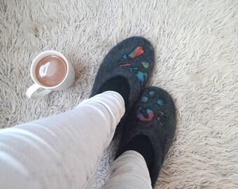 Wool slippers Womens felt slippers Felt shoes Boiled wool slippers Homemade gift for her House slippers Women flats