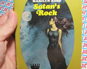 Vintage 1966/1970  Paperback By the Author of Dark Shadows Marilyn Ross - Satan's Rock