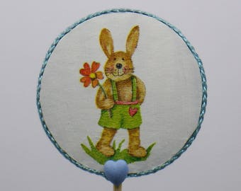 Round decorative stick the Bunny with little blue heart