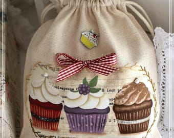 Cotton beige and applied 3 CUPCAKES