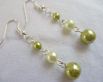 pearl earrings,dropper,bridesmaid,wedding,pearl jewelry,gift,handmade,occasion,dangle drop,green,silver bead earrings,beaded jewelry