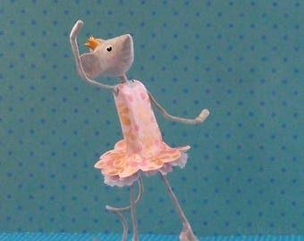 Sculpture souris danseuse étoile en papier mâché, petite souris danseuse, petit rat de l'opéra, cadeau pour elle, cadeau pour danseuse, ooak