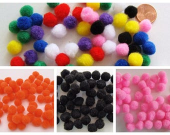 70 pompons ronds 10mm environ peluches polyester au choix