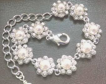 Ivory Pearl Bracelet, Bridal Bracelet, Daisy Pearl Bracelet, Bridal Jewelry, Wedding Bracelet, UK Seller, Pearl Crystal Floral Bracelet,