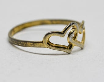 Lovely gold tone heart ring