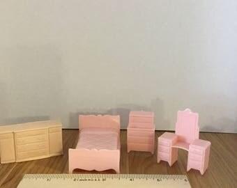 Dollhouse furniture pink plastic bedroom furniture