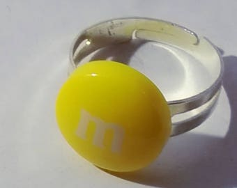 Acrylic yellow m round ring