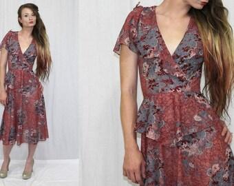 Vintage 70s Rose FLORAL Deep Vee Tie Shoulder PEPLUM Retro Midi Day Dress XS