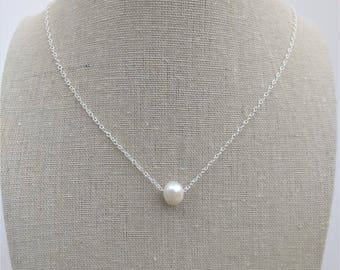 Pearl necklace - Freshwater Pearl on a Chain - Simple Pearl Necklace - Minimalist Necklace - June Birthstone - Wedding Jewelry - Gift