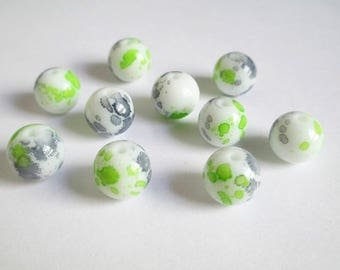 10 speckled gray and green 12mm white glass beads