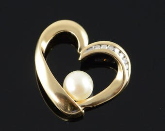 14k 6mm White Pearl 0.07CTW Diamond Accented Heart Charm/Pendant Gold