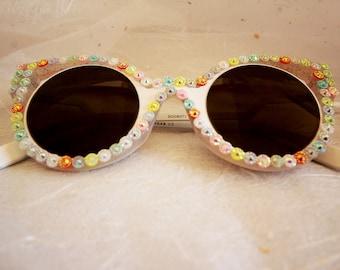 Cat eye rhinestone sunglasses. Fancy dress and festival accessory