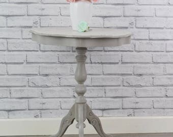Shabby chic round table,side tablre