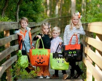 Halloween Bucket, Monogrammed Halloween Bucket, Pesonalized Halloween Bag, Trick or Treat Bag, Trick or Treat Bucket, Kids Halloween Bag
