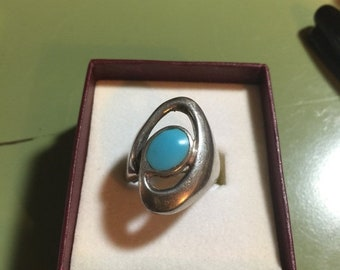 WOW SALE : Sterling Silver .925 Ring Size 8  9.8 Grams