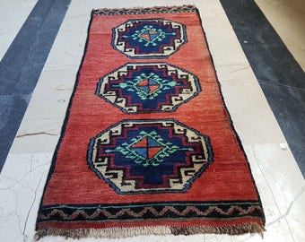 Small Persian Rug Teppich Tapis Vintage Miniature Persian Rug Outdoor Rug Boho Decor Oriental Rug Turkish Bath Mat  1'5'' X 2'11''  42x89cm