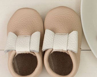 Sale!!! Pale pink mocs with white bow