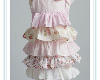 little girls apron. ruffled apron. childs ruffled apron. sweet aprons for little girls. girls ruffled apron.