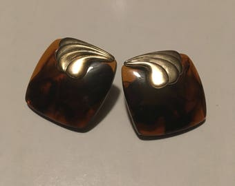 Tortoiseshell Square Post Backs with Gold Accent