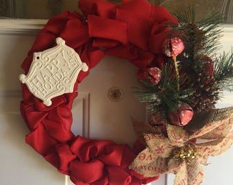 Holiday wreath. Happy holidays red burlap wreath. Christmas. Seasonal.holiday home decor