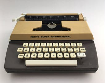 Petite Super International children's - decorative typewriter vintage toy - working