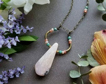 Pink Opal Loop Necklace in Brass >> Pale Pink Opal with Peach and Turquoise Accents >> Boho Style, Gemstone Jewelry