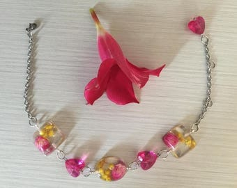 Bracelet Cyclamen & Yellow flowers-resin/flower bracelet cyclamen Yellow-resin