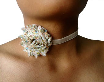 Ras flowers Romyn neck collar
