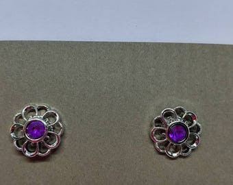 Silver flower with Purple Jewel