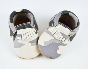 Gray Camo Baby Moccasins Handmade Genuine Leather Soft Sole Shoes Booties Newborn Infants Prewalkers Toddlers Moccs Baby Shower Gift