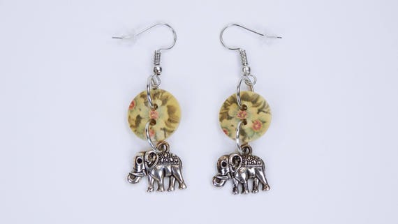 Earrings Elephant and buttons with flowers in beige black on silver-colored earrings wooden pendant earrings oriental elephant with flower