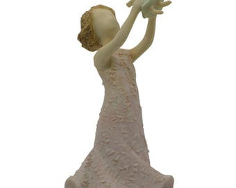 "3.5"" Mother Holding Daughter Figurine"