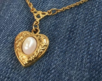 Vintage 1928 Jewelry Company Heart Pendant Necklace