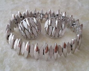 Crown TRIFARI Silver Tone Bracelet and Earrings Set