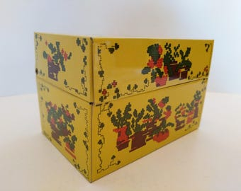 Vintage recipe tin box