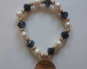 Crystal and pearl bracelet
