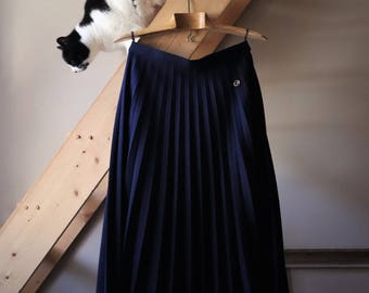 Navy Blue pleated skirt, wool, vintage early 70's vintage pleated Skirt, Wool, unused