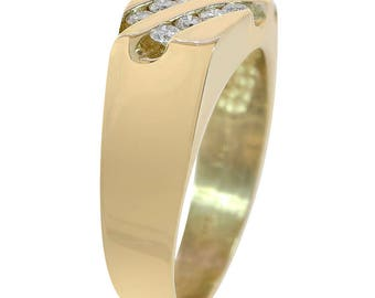 0.65 Carat Round Cut Diamond Men's Ring 14K Yellow Gold