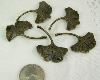 DESTASH, Ginkgo Leaf Pendant, 5 Pieces, Bronze Ginkgo Leaf, Leaf Pendant, Ginkgo Leaf Connector, Ginkgo Leaf