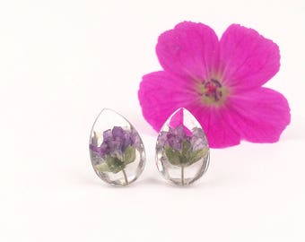 Transparent earrings with flowers, Pressed geranium jewelry, Stud earrings with real plants, Purple flowers in resin, Terrarium earrings