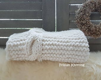 Knitted baby blanket // cable knit blanket // chunky baby blanket