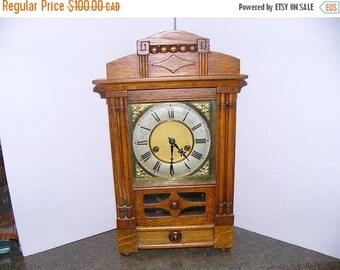 ON SALE Vintage Clock
