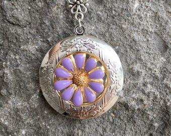 Silver Daisy Locket Necklace.