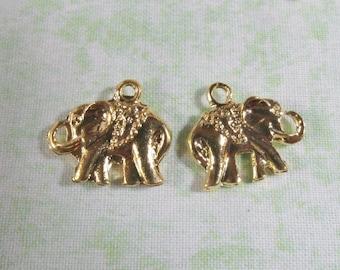 10 Gold Tone Elephant Charms 20 x 17mm (B333e)