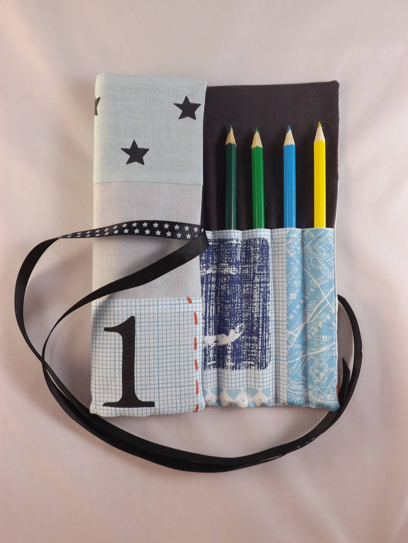 trousse crayons de couleur ou feutres enroulable. Black Bedroom Furniture Sets. Home Design Ideas