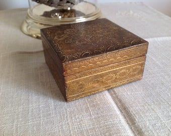 Box florentine decoration gilt - secret box - jewelry box - box gold from Italy.