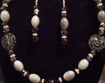 Gray beaded jewelry set