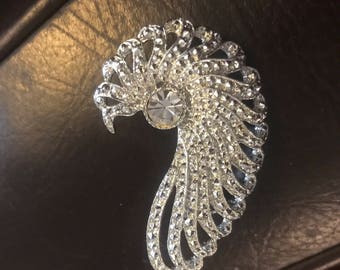 Hollywood Glam Style Vintage Signed Sarah Coventry Rhinestone Brooch Pin