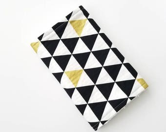 Black White and Gold Baby Burp Cloth, Baby Girl Gift, Burp Cloths, Modern Baby Gift, Girl Burp Cloths, Baby Girl Burp Cloths, Gold Triangles